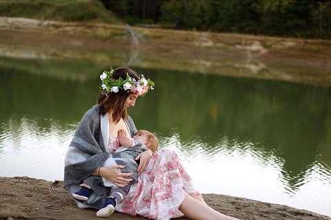 breastfeeding-2435896_960_720
