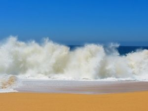 crashing-waves-140244_960_720